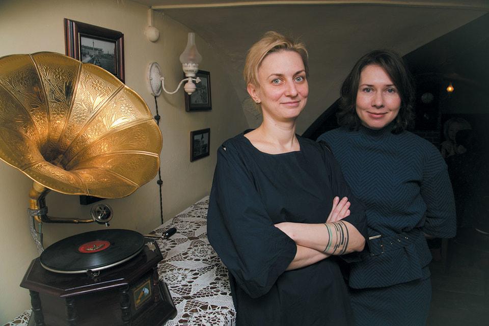 Вера Журавлева (слева) и Вероника Васенева (справа) — основательницы проекта VGosti