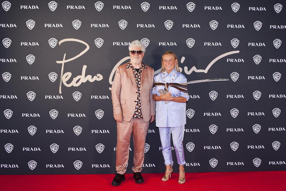 Педро Альмодовар и Миучча Прада на вечере в честь режиссера во время Венецианского кинофестиваля