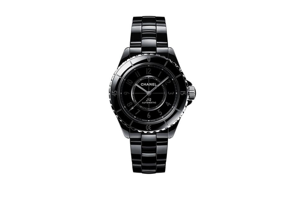 Chanel J12 Phantom в черном керамическом корпусе с черными же часовыми метками из керамики на циферблате