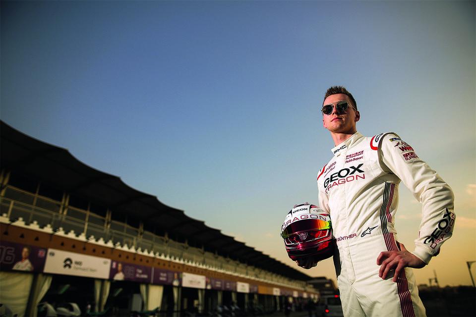 На гонках электромобилей Formula E соревнуется команда Geox Dragon