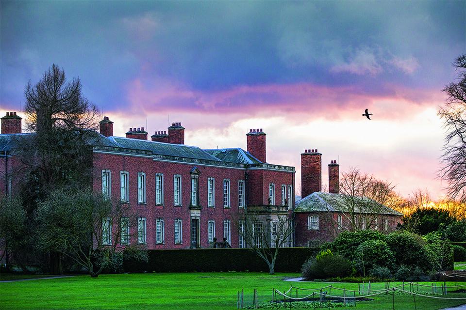 National Trust. Многие дома после Второй мировой были сохранены благодаря новой налоговой ситуации