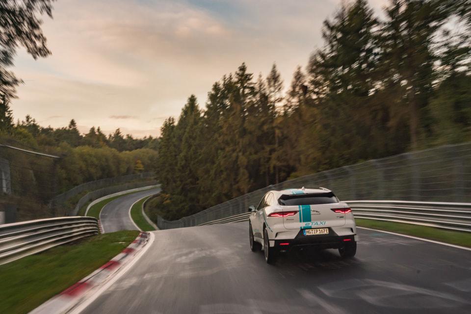 Автомобиль с нулевым объемом выбросов может разгоняться от 0 до 100 км/ч за 4,8 секунды