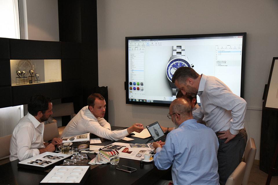 По задумке участников проекта часы El Primero A386 впервые в истории коллекции El Primero были изготовлены в корпусе из платины 950 пробы