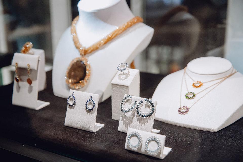 В коллекции  Atelier Tous Rosa Oriol  насчитывается уже более ста уникальных ювелирных изделий