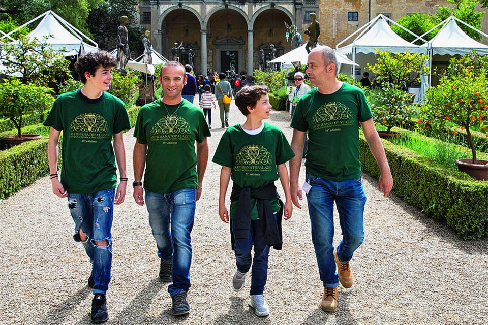 Участники проекта «Память о России во Флоренции» на территории сада Корсини