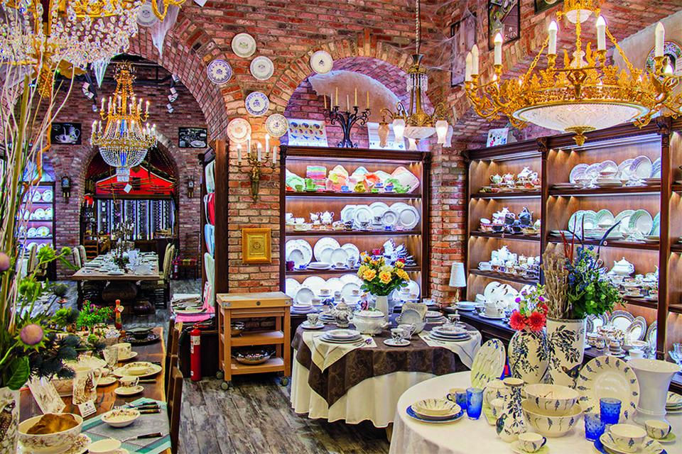 Изделия от бренда Evgeniya Kryukova представлены в ТPЦ «Vegas Крокус Сити» и бутике «Шато де Вэссель»