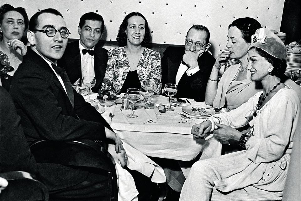 Коко Шанель в компании Веры Судейкиной, Лифаря и Стравинского, Париж,1938 год
