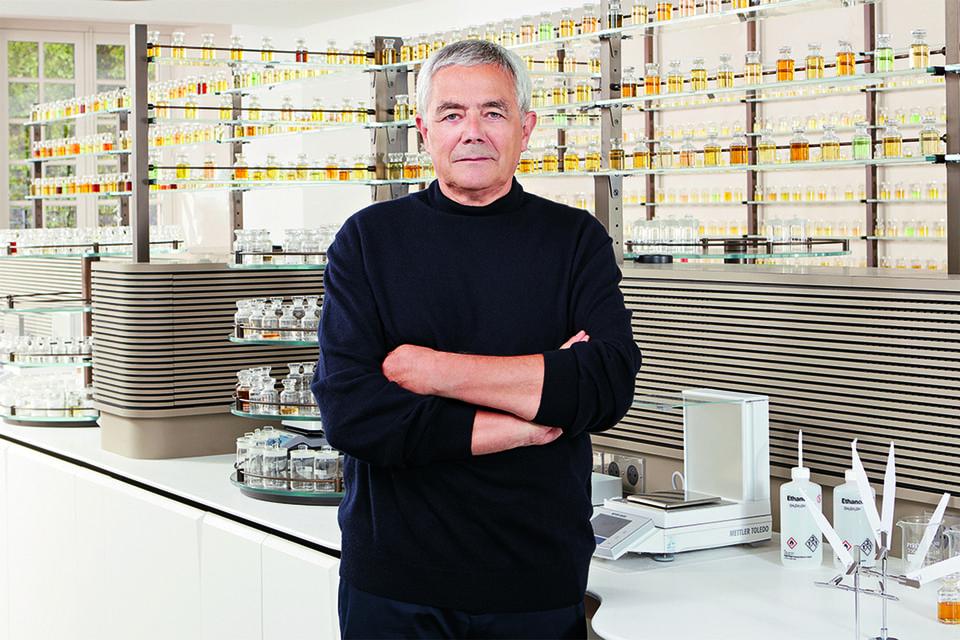 В 2006 году «придворным» парфюмером Dior становится Франсуа Демаши, и наступает черед перемен