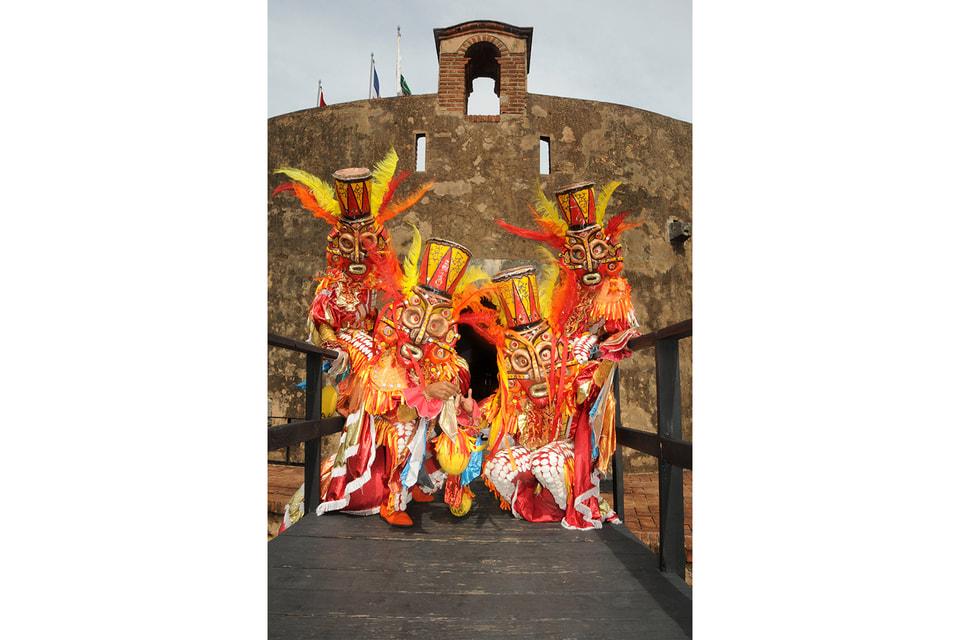 Итоговый карнавал сезона обычно проходит в столице Доминиканы – Санто-Доминго