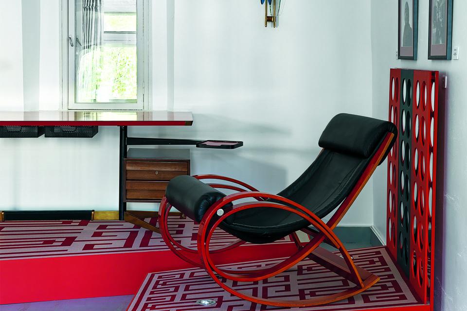 Письменный стол, Джо Понти; кресло, Гаэ Ауленти; бра, Макс Ингранд