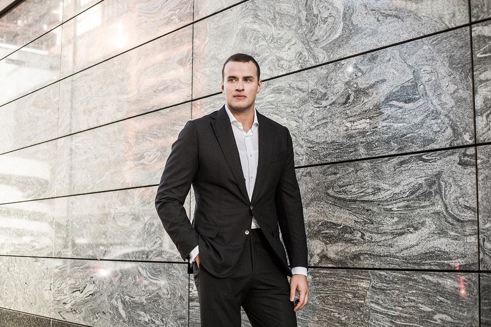 В юности игравший в баскетбол за немецкую молодежную сборную и позднее продолживший карьеру в США, Вадим Федотов переключился на бизнес-направление