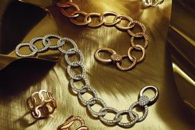 Украшения из новой коллекции Brera получили название района Милана, где в 1967 году и возник бренд Pomellato