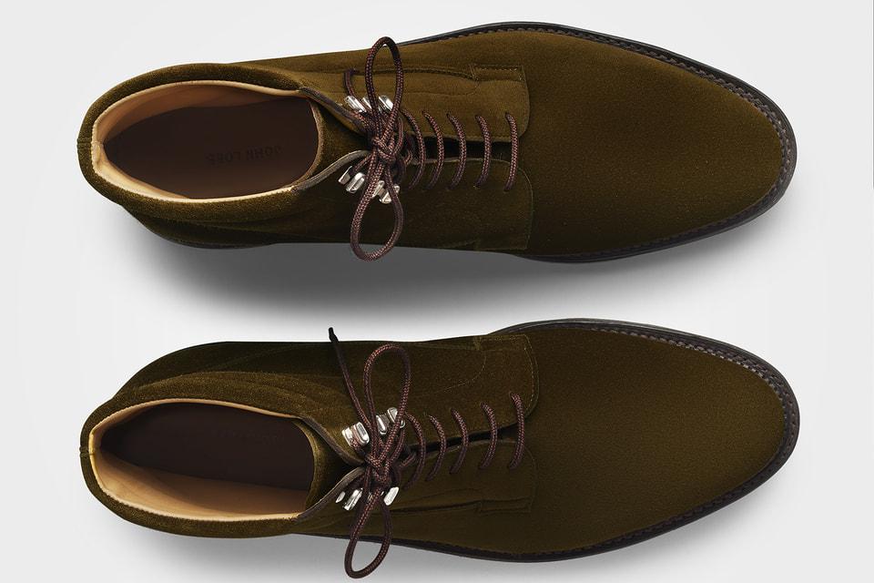 Модель Alder от John Lobb разработана на основе архивных материалов английского бренда, датированных 1940-ми годами, и выполнена по мотивам винтажных лыжных ботинок