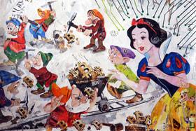 В работах Дарьи Усовой персонажи из диснеевских и русских народных сюжетов сталкиваются с актуальными проблемами