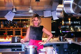 На своих мастер-классах Татьяна учит готовить, сервировать и получать удовольствие от жизни