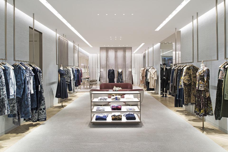 Прямо к открытию бутика Dior сюда прибыла круизная коллекция Dior Cruise 2020