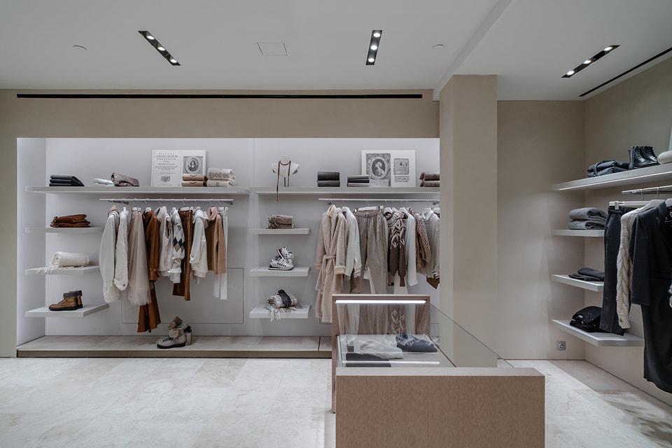 Атмосфера и интерьер отражают фирменный стиль итальянского модного дома