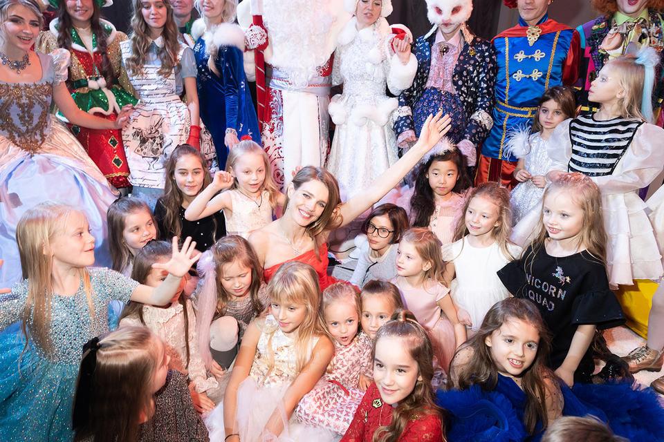 В этом году партнерами события выступили ювелирная компания Mercury и детская линия одежды Baby Dior французского модного Дома. Благодаря последнему факту событие получило на один раз новое название – Baby Love Ball