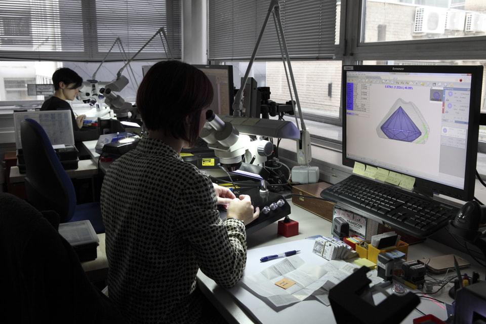 В американском ювелирном Доме планируют расширить Diamond Source Initiative и к 2020 году выдавать сертификат о географии огранки и полировки бриллиантов