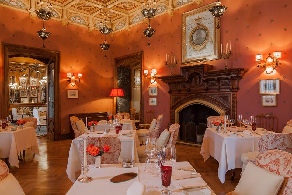 Интерьер ресторана Villa Feltrinelli