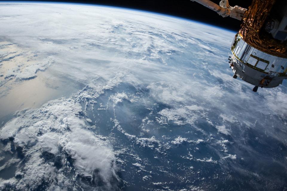 За 24 часа в космо-отеле можно увидеть 16 восходов и закатов на Земле