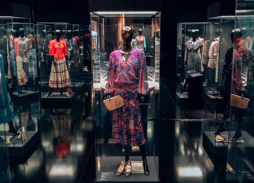 На выставке впервые представлены принадлежавшие знаменитой балерине драгоценности, а также предметы ее личного гардероба