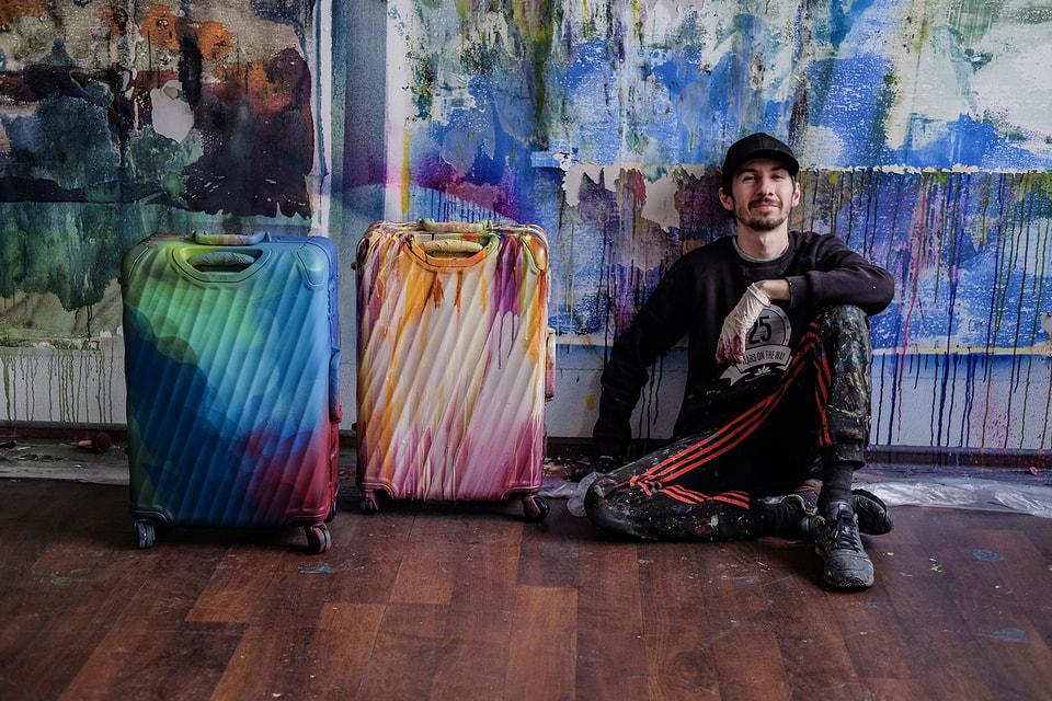 Американский бренд Tumi представил арт-коллаборацию c российским художником