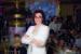 Виктория Саава Основатель компании «Кашемир и шелк» (ритейлер Agnona, Peserico, Zanellato, Lorena Antoniazzi и др.) «Чтобы подняться на вершину, необходимы инструменты, среди которых умение создавать команду, способность рисковать, искусство выстраивать или чувствовать приоритеты, интуиция. Немаловажную роль играет случай: ты встречаешь людей, которые помогают советом или делом. И обязательный элемент – это способность иногда двигаться «не благодаря, а вопреки». По большому счету, все эти ресурсы существуют вне гендера! Уже давно никого не удивляют женщины-топ-менеджеры и владельцы в IT или в строительной сфере, а в fashion-сфере женщина абсолютно органична: желание перевоплощаться, играть — женщинам эта сфера знакома и близка. Но дело, конечно, не в особенностях модного бизнеса, а в скорости жизни, в вовлеченности женщины, в смене приоритетов. Наша работа в «Кашемир и шелк» на 90% связана с итальянскими марками, поэтому я могу поделиться своими наблюдениями в отношении Италии. В Италии женщина – это в первую очередь мать, авторитет которой абсолютен в глазах семьи. Мы часто имеем дело с семейным бизнесом, начиная работать с одним поколением и продолжая со следующим. Так, к примеру, Peserico – гармоничный тандем супругов Риккардо Перуффо и Паолы Гонеллы. Паола – креативный директор и отвечает за творческую составляющую, развитием марки занимается Риккардо. Алессандра Карра, пять лет возглавляющая бренд Agnona (Zegna Group), – яркий пример современной женщины в бизнесе, непринужденно сочетающей роль матери и топ-менеджера»