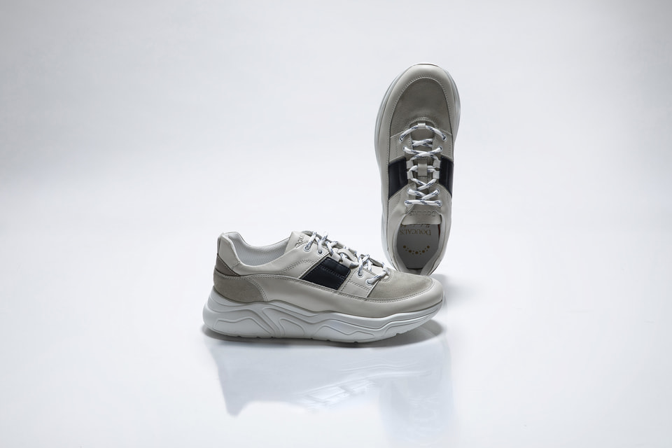 Итальянский обувной бренд Doucal's выпустил инновационную модель сникерсов