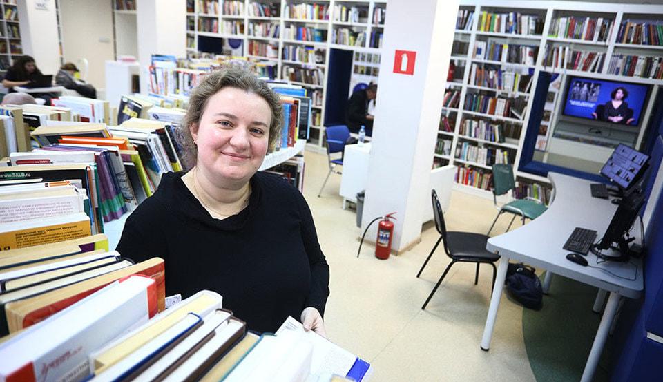 Девушка модель работы библиотеки девушки в астане работа