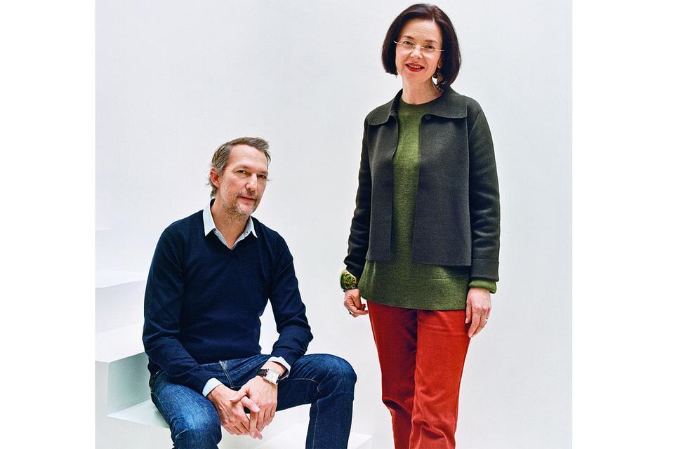 Креативный директор Art-de-la Table Hermes Бенуа-Пьер Эмери и художница Натали Роллан-Хакель