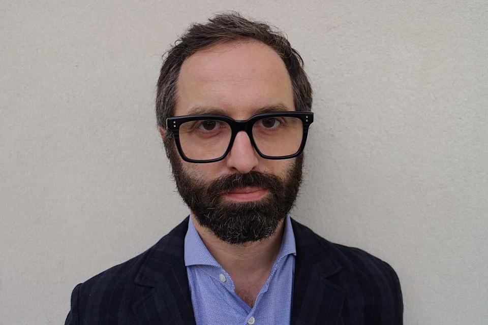 Оппонентом Веццоли станет философ Эмануэле Кочча – бренд Prada надеется, что столь разные мыслители выскажут интересную точку зрения
