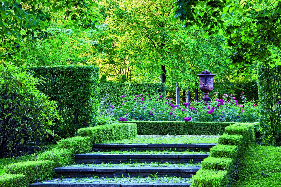 Растения в парке подбирались, разумеется, не без учета климатических особенностей псковских широт