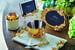 В основе коллекции американского бренда Michael Aram «Цветущая вишня» лежит искусная ручная работа с использованием старинных технологий. Все предметы в ней – столовое убранство, рамки для фотографий, футляры для свечей – вдохновлены живостью и энергичностью цветов японской сакуры, которые распускаются каждую весну. Претворяя в жизнь идею перерождения, Майкл Арам сумел передать в коллекции хрупкость и красоту жизни, соединив мягкие, приглушенные розовые тона с позолоченной латунью и белым мрамором, который служит основой для подносов и подставок