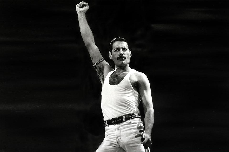 Оба первых хита группы Queen были написаны Фредди Меркьюри