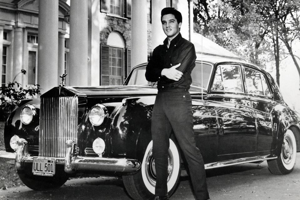 Элвис Пресли у себя на вилле в Мемфисе (США)