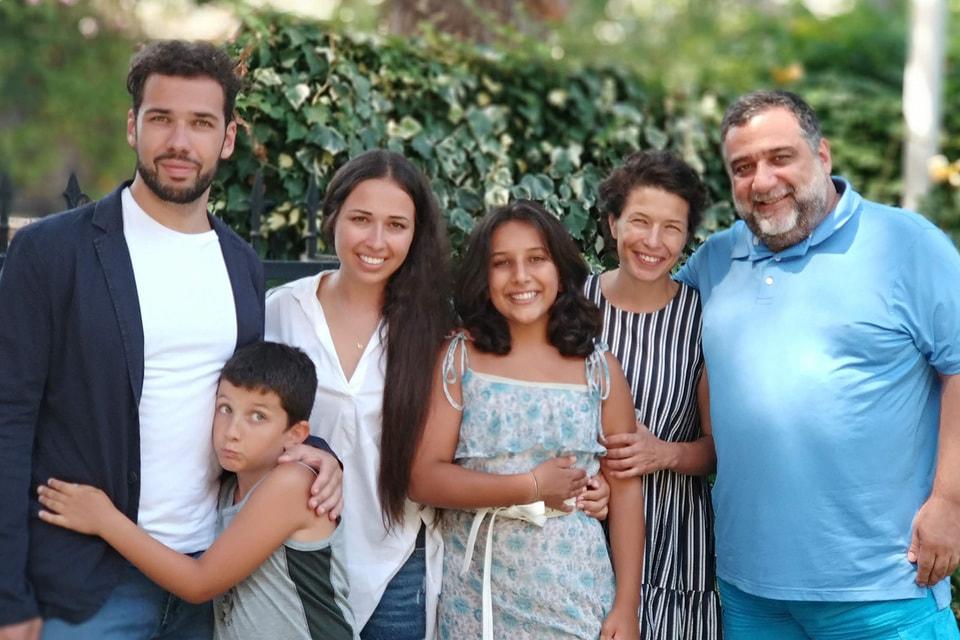 Рубен Варданян с супругой Вероникой Зонабенд и детьми