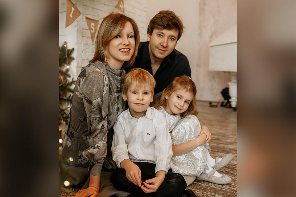 «Благотворительность может стать ...объединяющим делом для всей семьи». Алексей Анищенко с женой и детьми