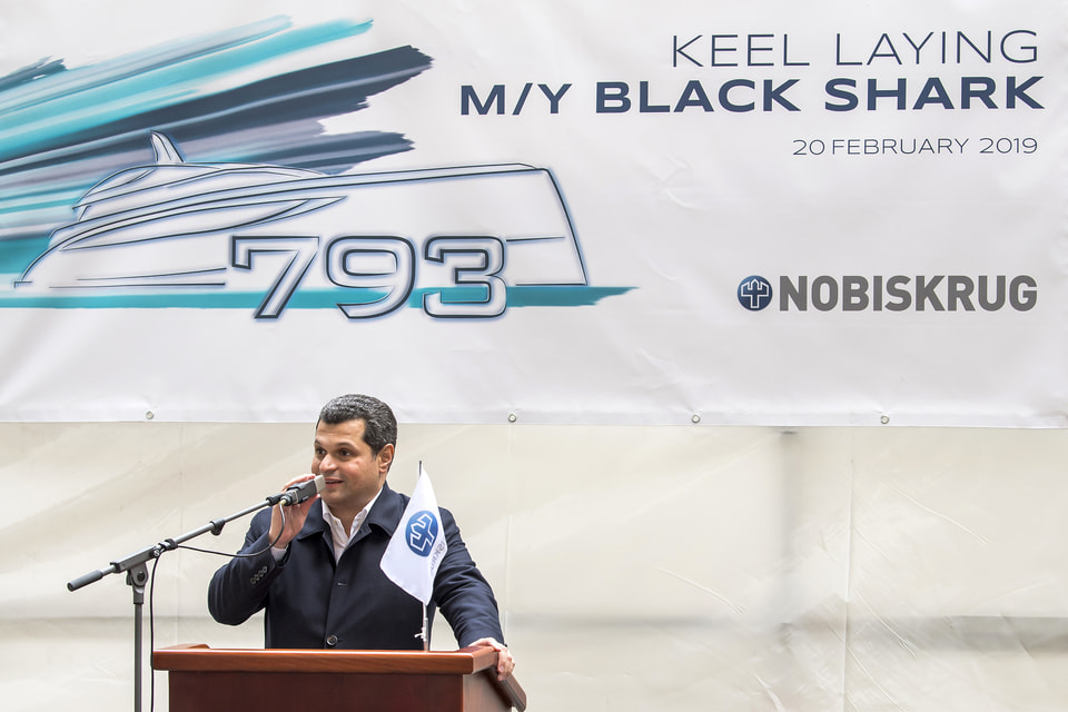 Е. Кочман на церемонии закладки Black Shark на верфи Nobiskrug