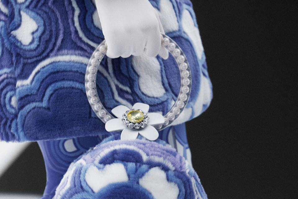 Теперь регулярные коллекции одежды Moncler дополнят ароматы