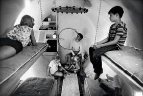 Мода наподземные убежища пошла со времен «холодной войны» (бункер для американской семьи, 1961 год)