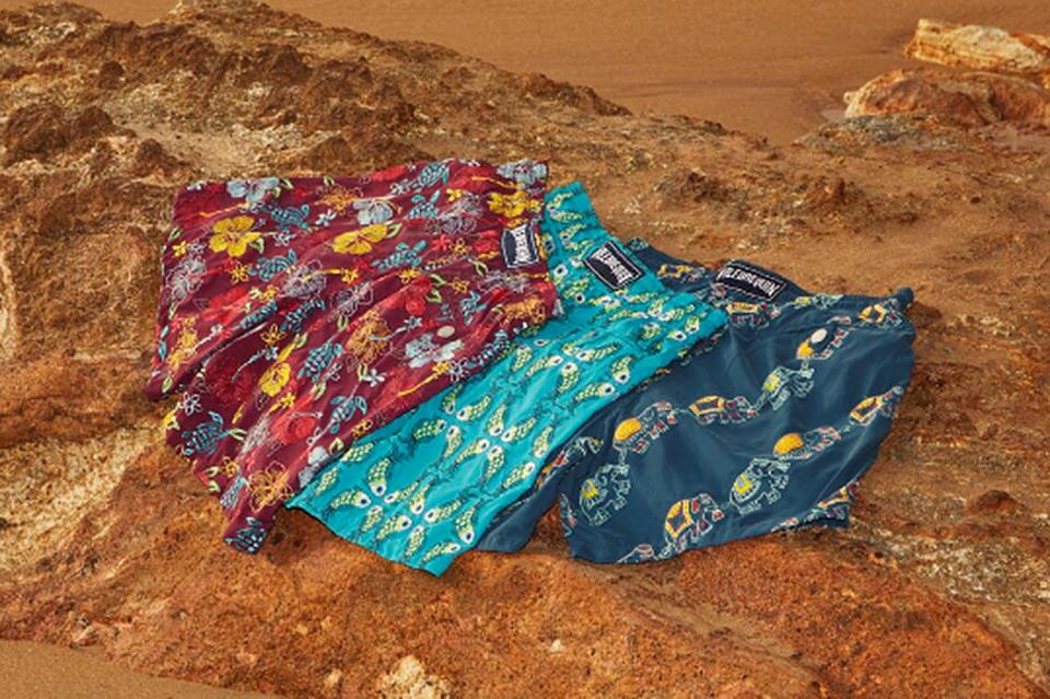 Над вышивкой для плавок Vilebrequin работают четыре ателье