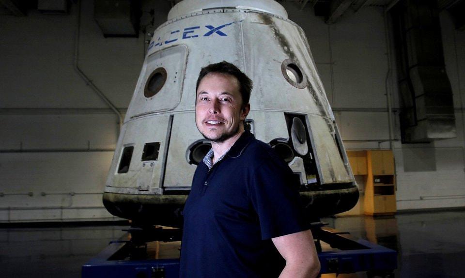 Илон Маск концентрируется не на тонкостях марсианских построек, а  на способах отправки туда грузов и людей