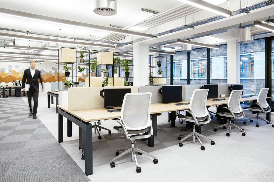 Capita, одна из крупнейших аутсорсинговых компаний Великобритании, единовременно закрывает сейчас как минимум 30% из 250 офисов по всей стране