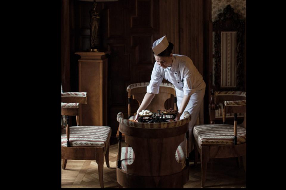 Гости очень ценят приятные и продуманные сюрпризы, особенно, если это шоколад ручной работы