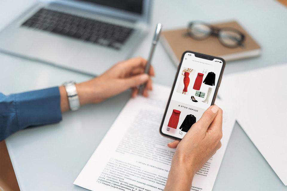 В Style Concierge ревизия гардероба заканчивается оцифровкой и занесением вещей в клиентское приложение