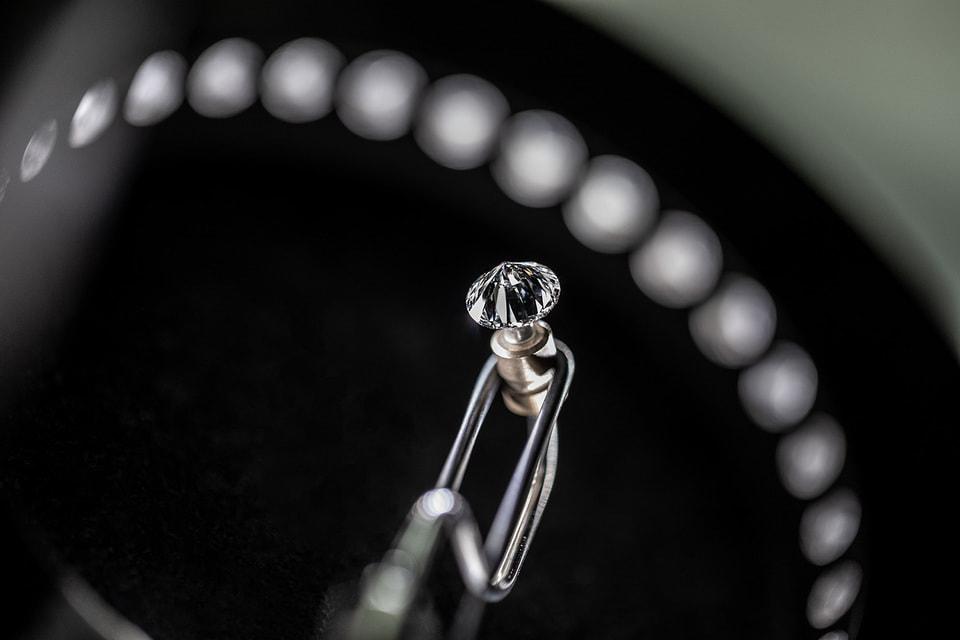 Многие клиенты Tiffany & Co. ратуют за «ответственное потребление» – и Дом их с энтузиазмом поддерживает