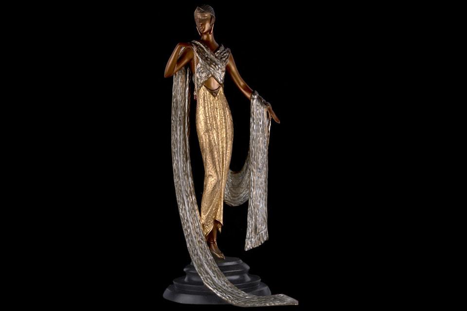 Бронзовая скульптура Эрте «Je l'aime» может стать самым дорогим лотом аукциона
