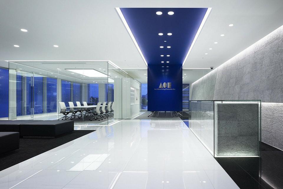 На фоне тенденции к уменьшению площадей появляются примеры, когда нет привычного офиса, а есть штаб-квартира, где располагаются владелец бизнеса и ключевые управленцы