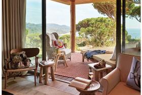 В отеле Lily of the Valley близ Сен-Тропе дизайнер Филипп Старк создал все буквально с нуля